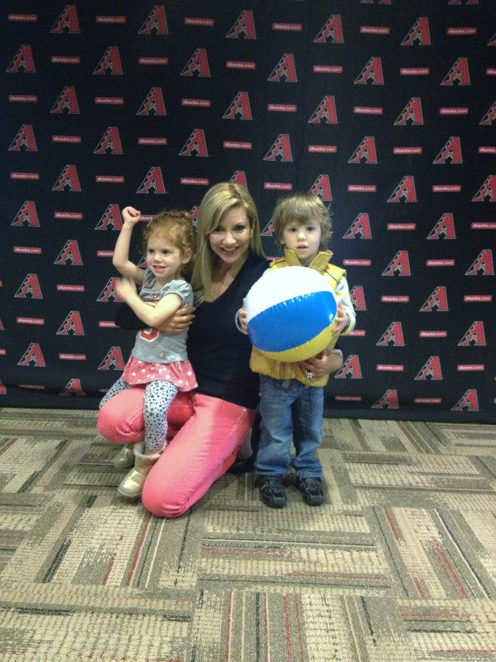 Carey Pena and her twins support the Arizona Diamondbacks