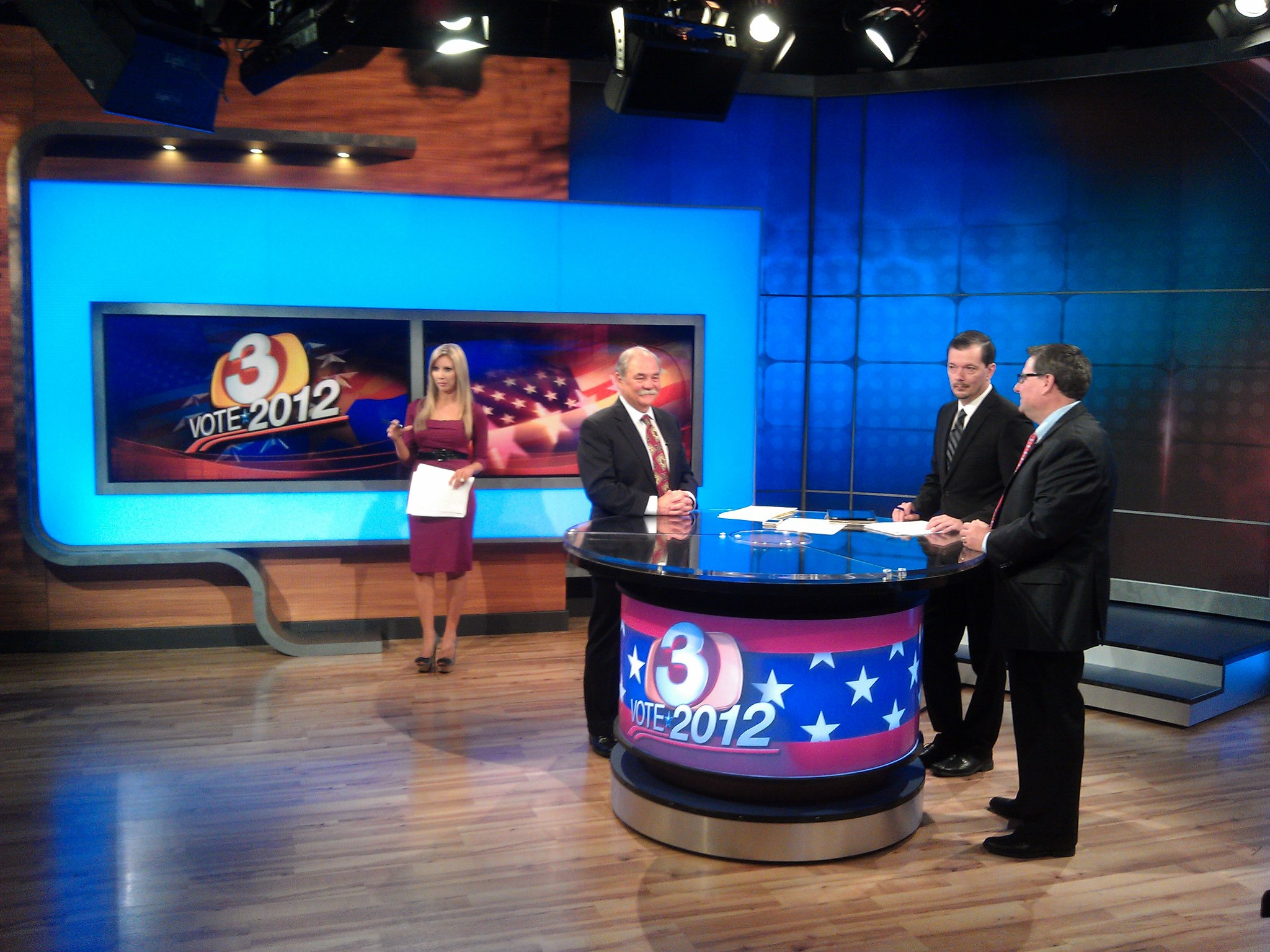 Carey Pena anchors election night coverage for 3TV Phoenix